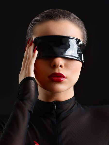 Patrice Catanzaro Bandeau: Vinyl-Augenmaske, schwarz
