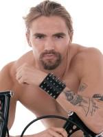 Ouch! Skulls and Bones Extreme Bracelet: Armband, schwarz